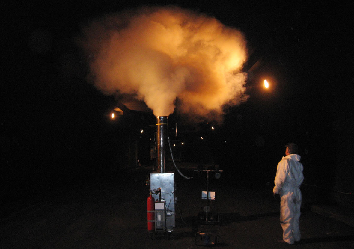 Tests and simulations with clean, hot smoke machine