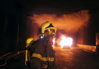 Certification of tunnel control centre operators in fire management